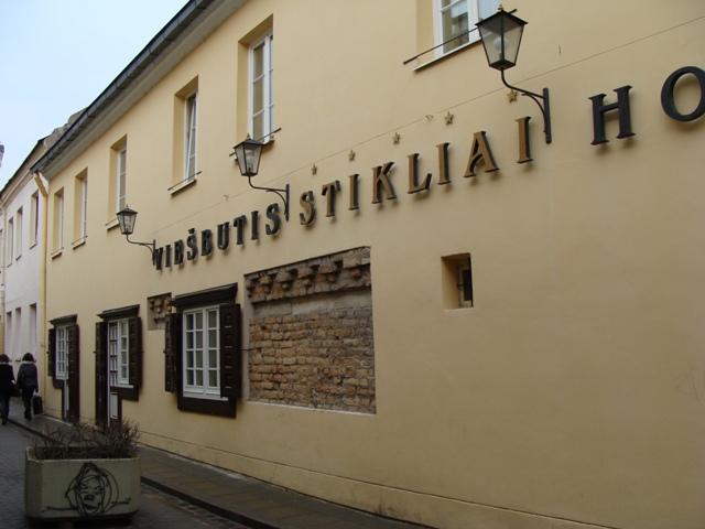01_viesbutis_stikliai_fasado_apdaila