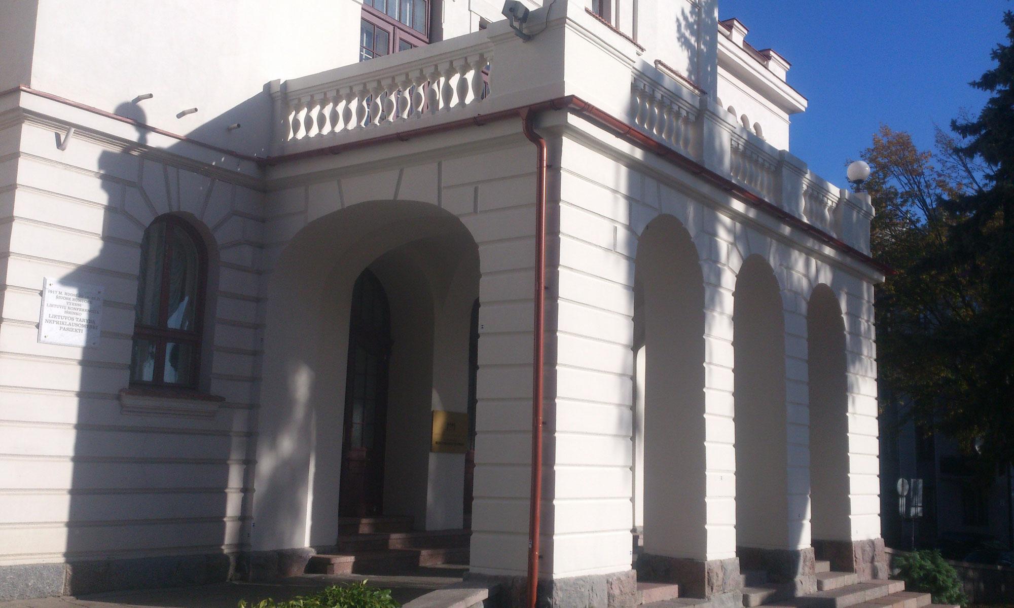 Renovavimo Darbai – Fasado Plovimas, Tinkavimas, Dažymas