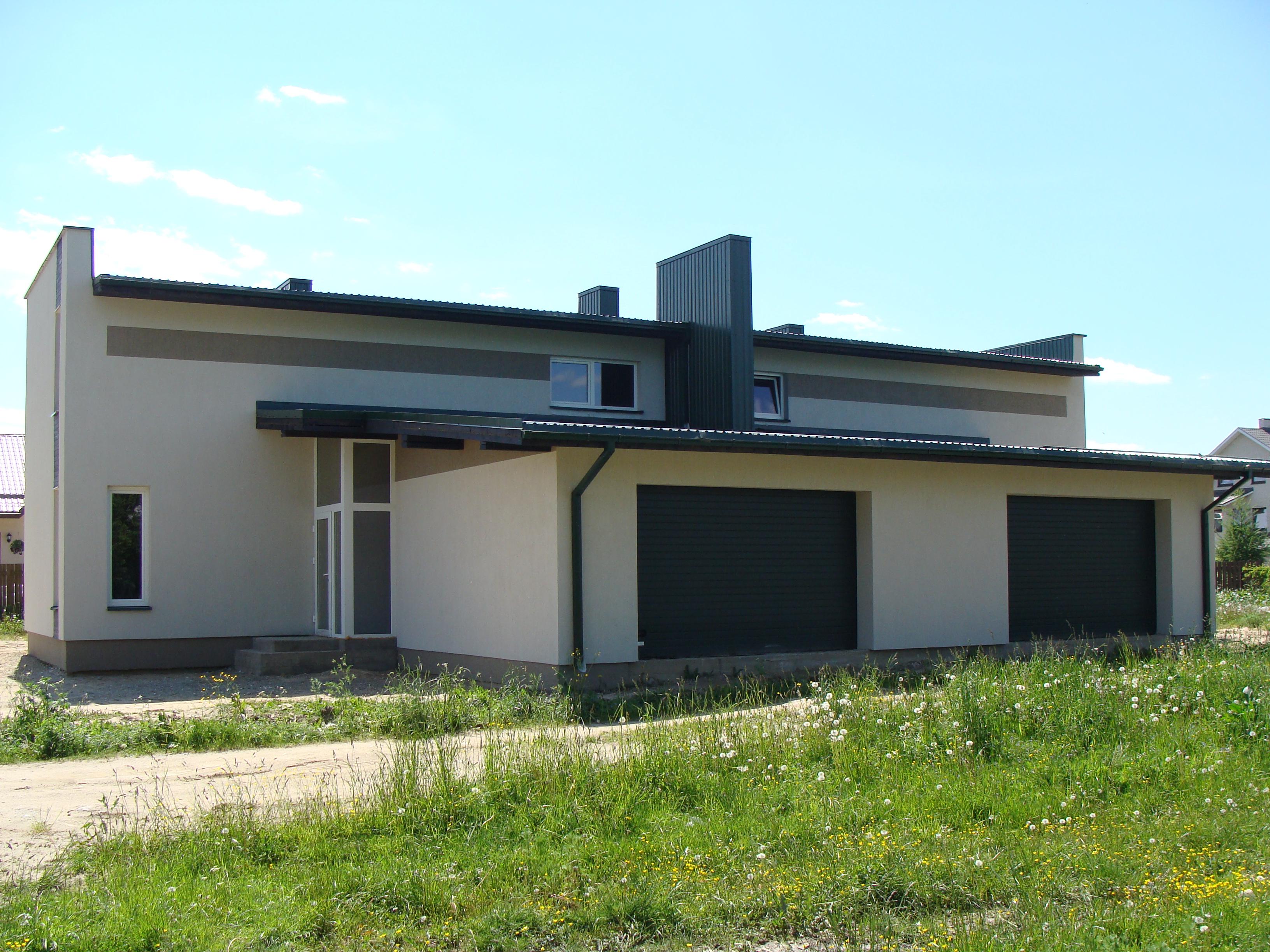 Gyvenamo namo statyba, apšiltinimas, tinkavimas, dažymas